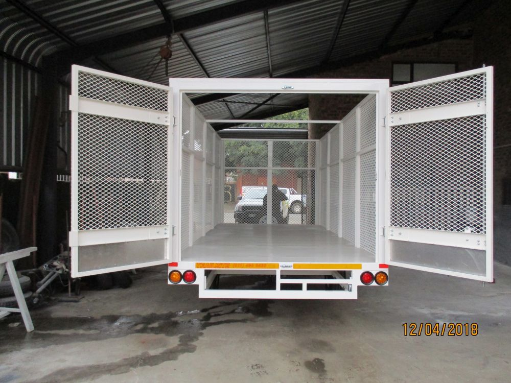Caged Flatdeck trailer C