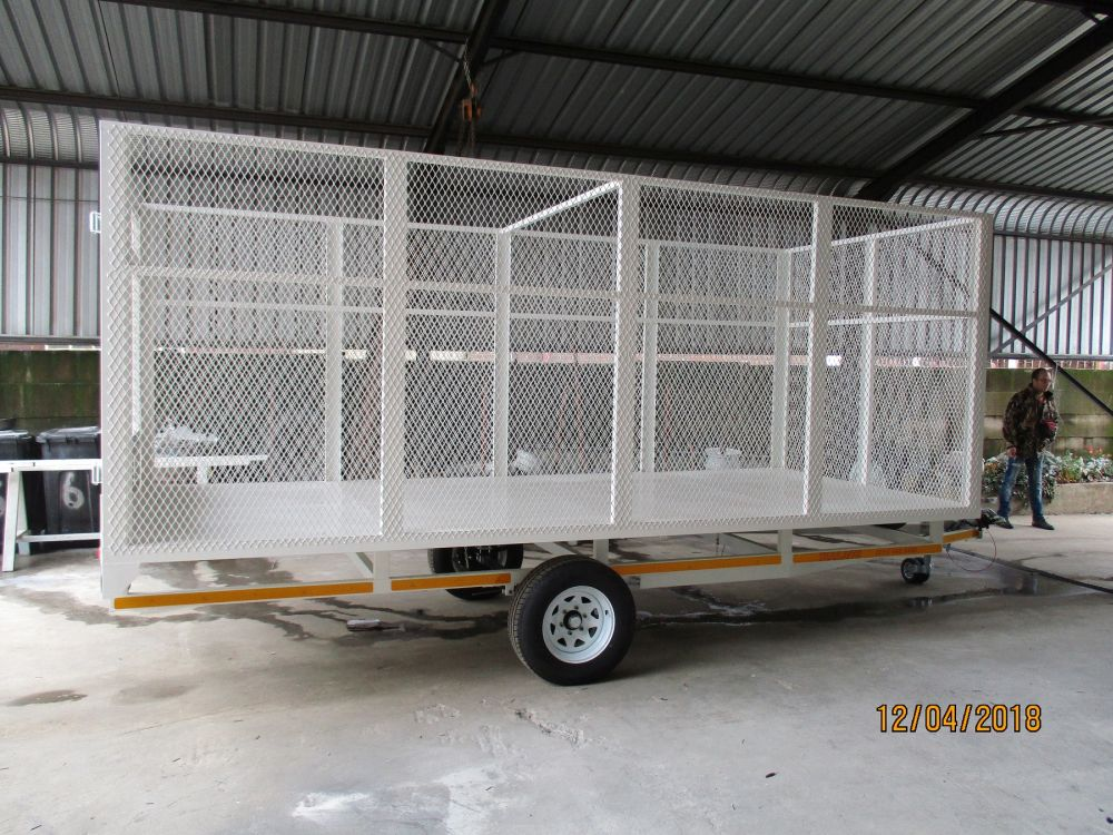Caged Flatdeck trailer