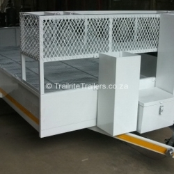trailer-maintenance-on-landscaping-trailer-after